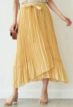 めざましテレビ阿部華也子イエローのシアープリーツスカート