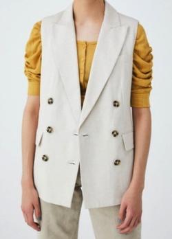 着飾る恋には理由があって川口春奈アイボリーのノースリーブジャケット