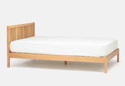 リコカツ インテリア 木製のベッド