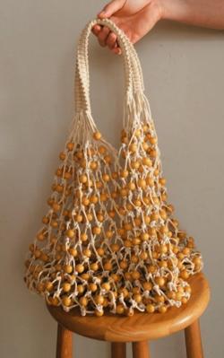 着飾る恋には理由があって川口春イエローのネットバッグ
