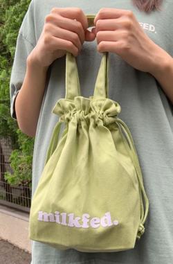 大豆田とわ子と三人の元夫(まめ夫)豊嶋花 ライトグリーンのバッグ