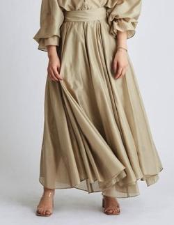 ボクの殺意が恋をした新木優子 ベージュのギャザーロングスカート