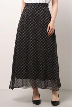 林先生の初耳学大政絢さん衣装プリントロングスカート