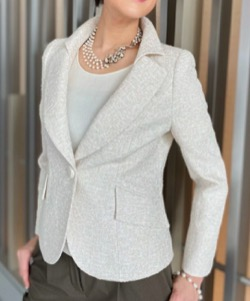 【ナイトドクター】真矢みき(桜庭麗子) ドラマ衣装白いジャケット