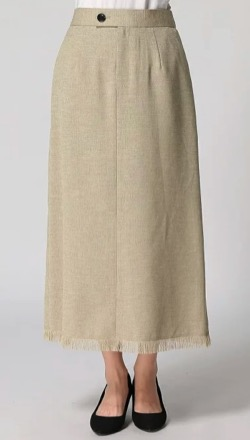 ZIP!水卜麻美 (ミトちゃん)ベージュのフリンジスカート