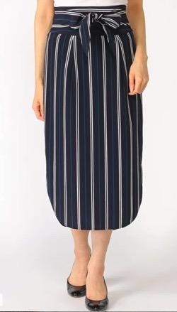 ZIP!水卜麻美 (ミトちゃん)ネイビーのストライプスカート