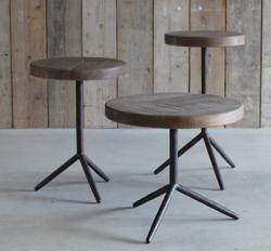 イタイケに恋して・インテリア木製のサイドテーブル