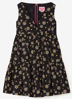 【彼女はキレイだった(かのきれ)】佐久間由衣(桐山梨沙)衣装ブラックの小花柄ワンピース