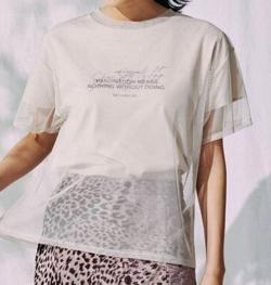 推しの王子様(推しプリ)・白石聖・佐野ひなこ・徳永えり・宮司愛海ドラマ衣装アイボリーのシアーグラフィックTシャツ