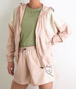 【彼女はキレイだった(かのきれ)】佐久間由衣(桐山梨沙)衣装ライトピンクのランニングウェアセット