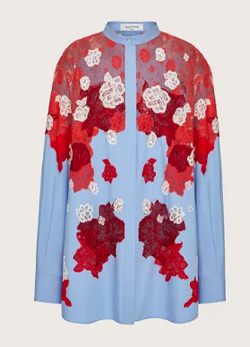 【彼女はキレイだった(かのきれ)】佐久間由衣(桐山梨沙)衣装レッドxライトブルーの花刺繍シャツ