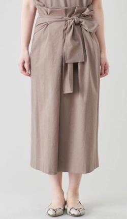 FNN Live News α・三田友梨佳ベージュのリボンスカート