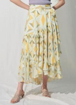 ZIP貴島明日香衣装イエローのジオメトリックプリーツスカート
