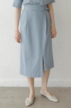 ZIP!水卜麻美 (みとちゃん)衣装ライトブルーのナロースカート