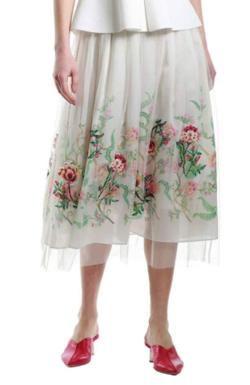 めざましテレビ井上清華アイボリーのフラワー刺繍スカート