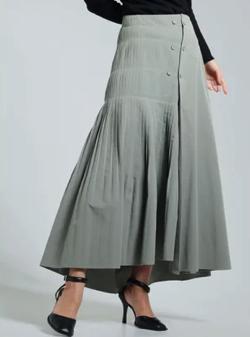 ZIP!水卜麻美 (みとちゃん)衣装ライトグリーンのプリーツスカート