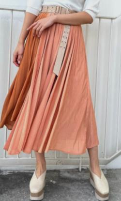 ZIP貴島明日香衣装オレンジのプリーツスカート