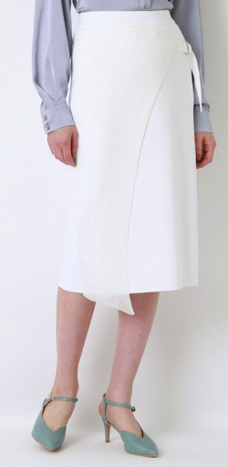 Live News it!加藤綾子衣装ホワイトのアシメスカート