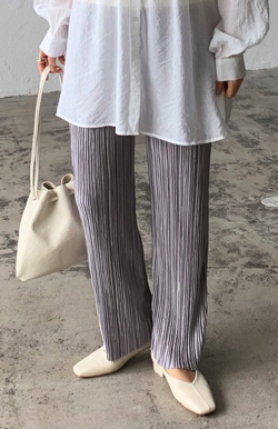 プロミスシンデレラ・松井玲奈・松村沙友理衣装ライトパープルのランダムプリーツパンツ