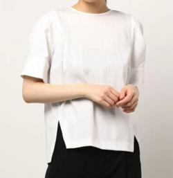 ZIP!水卜麻美 (みとちゃん)衣装ホワイトのブラウス