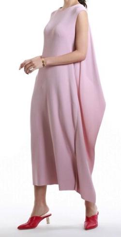 めざましテレビ井上清華ピンクのニットドレス