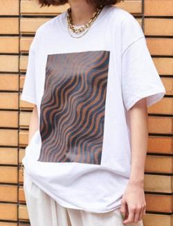 プロミスシンデレラ・二階堂ふみドラマ衣装ホワイトのウェーブプリントTシャツ