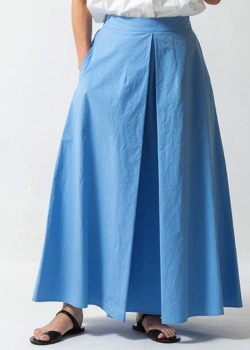 ZIP!水卜麻美 (みとちゃん)衣装ライトブルーのロングスカート