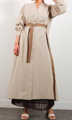 ZIP!水卜麻美 (みとちゃん)衣装アイボリーのサイドデザインシャツワンピース