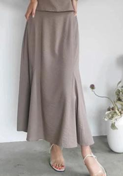 ZIP!水卜麻美 (ミトちゃん)ベージュのマーメイドスカート