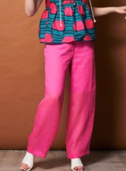 ボクの殺意が恋をした・新木優子衣装ピンクのパンツ