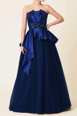ボクの殺意が恋をした・新木優子衣装ブルーのドレス