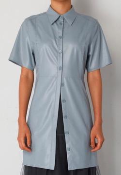 ボクの殺意が恋をした・新木優子衣装ブルーの半袖シャツ