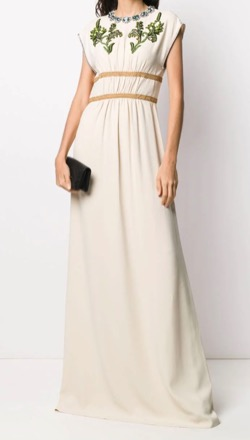 FNS歌謡祭 2021椎名林檎さん衣装花柄刺繍の白いワンピース