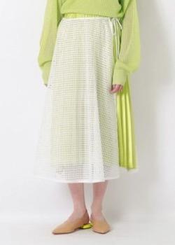 FNS歌謡祭上白石萌音衣装グリーンのメッシュフレアスカート