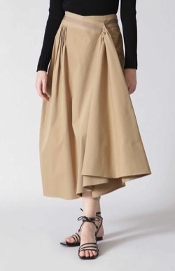 ハコヅメ・戸田恵梨香衣装ベージュのフレアスカート