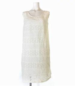 【彼女はキレイだった(かのきれ)】佐久間由衣(桐山梨沙)衣装白い刺繍ワンピース
