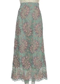 彼女はキレイだった(かのきれ)宇垣美里ドラマ衣装グリーンとピンクの花柄ロングスカート