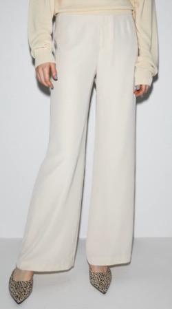 三吉彩花インスタ衣装・ファッション白いパンツ