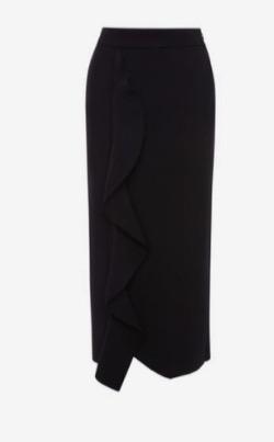 三吉彩花インスタ衣装・ファッション黒いフリルデザインスカート