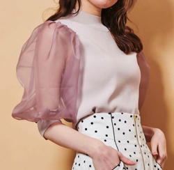 ZIP貴島明日香衣装ピンク系のオーガンジースリーブニット