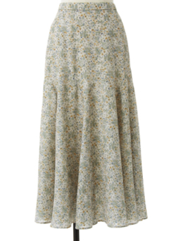 ZIP貴島明日香衣装ライトベージュの小花柄スカート