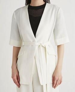 推しの王子様(おしプリ)・ドラマ衣装比嘉愛未ホワイトのリネンライクジャケット