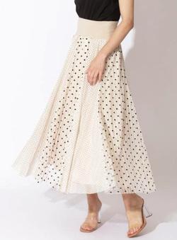 ZIP貴島明日香衣装ベージュのドット柄ロングスカート