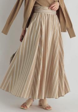 ZIP貴島明日香衣装ベージュのストライプフレアスカート