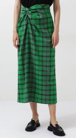 笑ってコラえて佐藤栞里衣装グリーンのチェックタイトスカート
