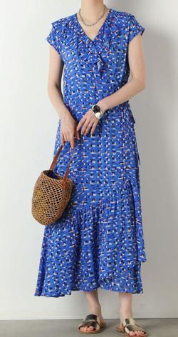 めざましテレビ井上清華衣装ブルーの総柄プリントワンピース