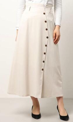 ヒルナンデス!滝菜月アイボリーのトレンチスカート