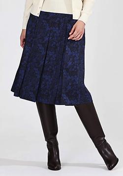 NEWS ZERO・有働由美子衣装ブルーのボタニカル柄スカート