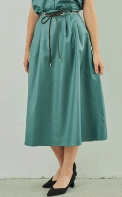 ZIP!水卜麻美 (みとちゃん)衣装グリーンのフレアスカート