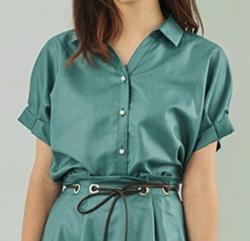 ZIP!水卜麻美 (みとちゃん)衣装グリーンのオープンシャツ